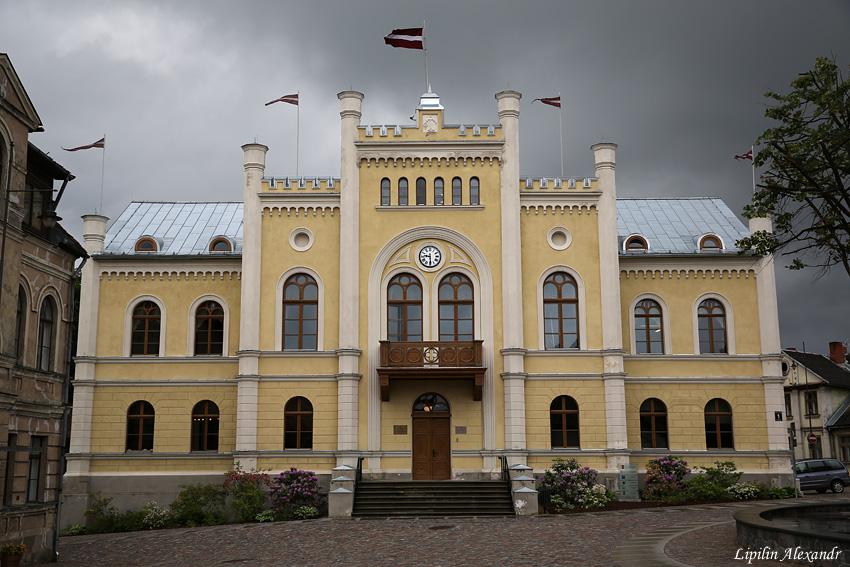 01 городская ратуша построена в 17 веке